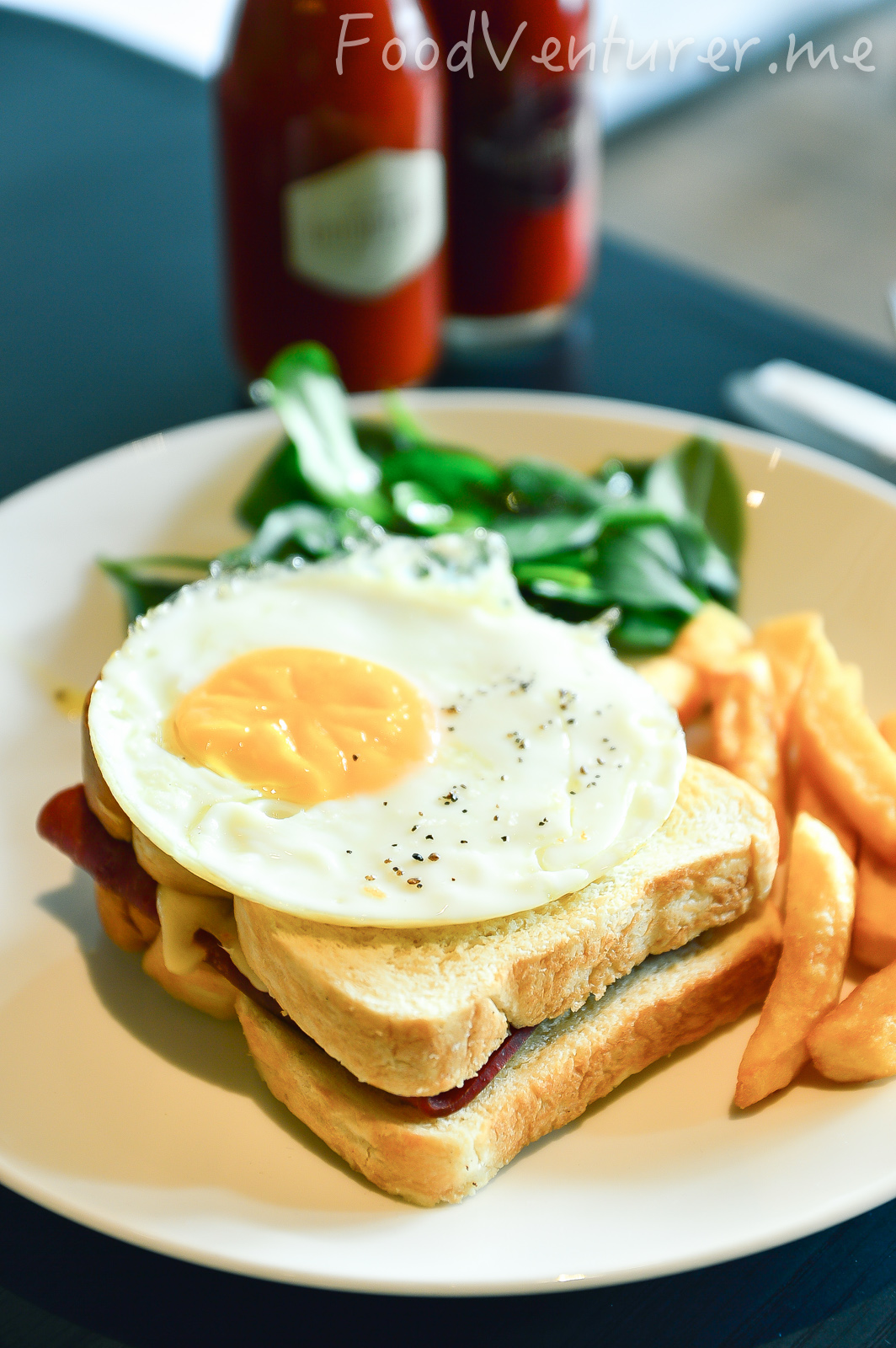 Croque Madame - Le Cafe Gourmand, Gunawarman