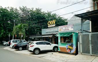 OTW Food Street - Kelapa Gading
