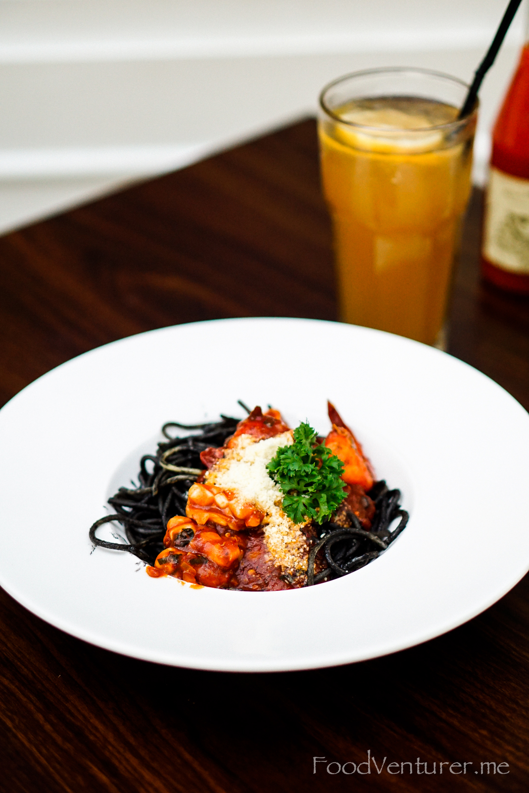 Spicy Spaghetti Seafood Nero - Willie Brothers Steakhouse - Puri